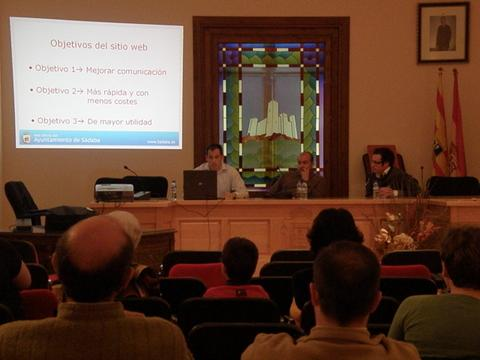 Foto del día de la presentación de la web. Presentación de la web , creada por Raúl el 29/04/2009