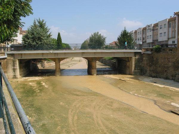 Río Riguel a su paso por Sádaba