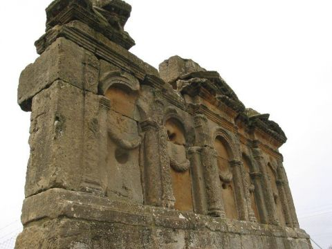 Mausoleo de los Atilios