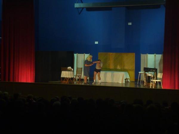 teatro 5 de diciembre , creada por Raúl el 08/12/2010